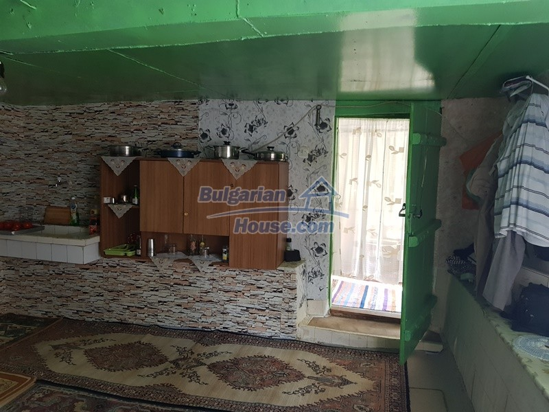13073:12 - House in good condition  in a peaceful place close to Popovo