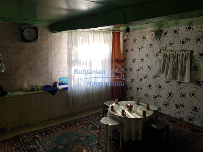 13073:15 - House in good condition  in a peaceful place close to Popovo
