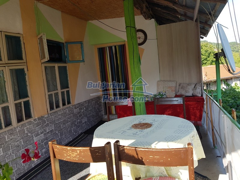 13073:20 - House in good condition  in a peaceful place close to Popovo
