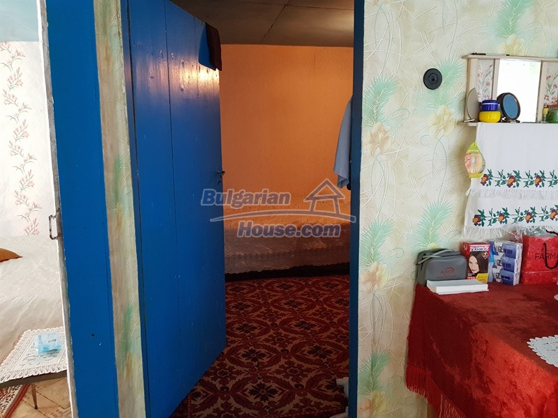 13073:25 - House in good condition  in a peaceful place close to Popovo