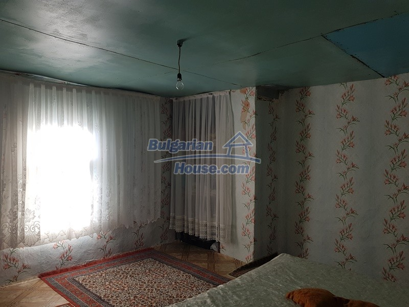 13073:33 - House in good condition  in a peaceful place close to Popovo