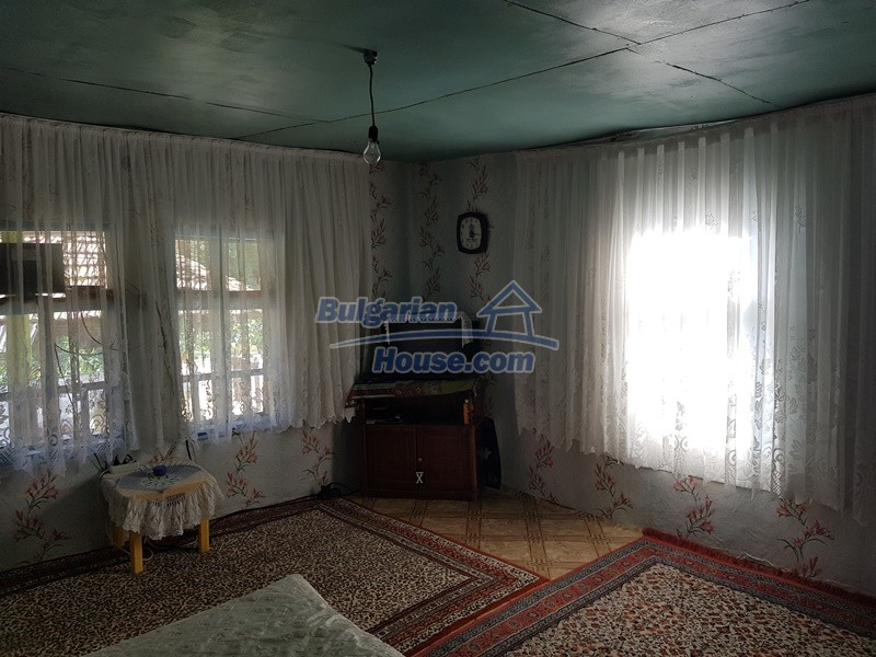 13073:36 - House in good condition  in a peaceful place close to Popovo