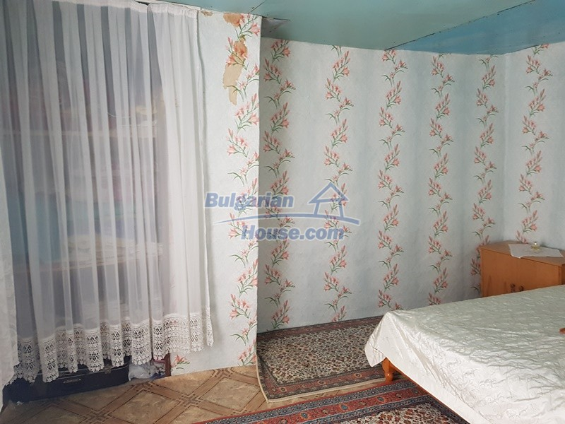 13073:44 - House in good condition  in a peaceful place close to Popovo