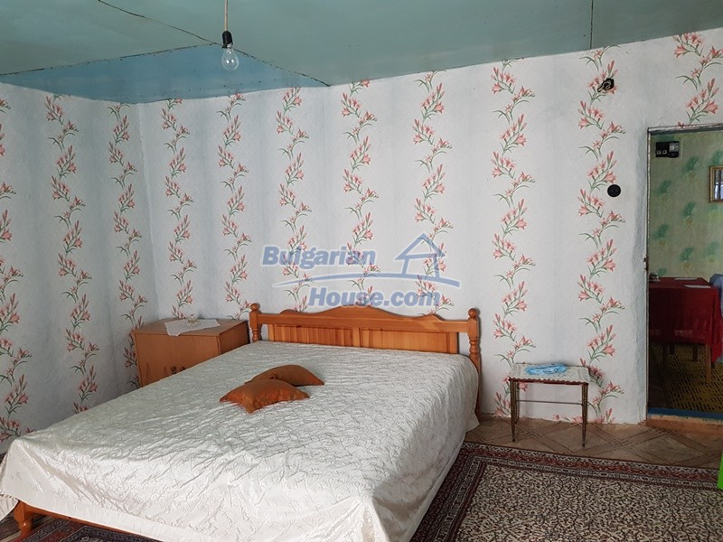 13073:42 - House in good condition  in a peaceful place close to Popovo