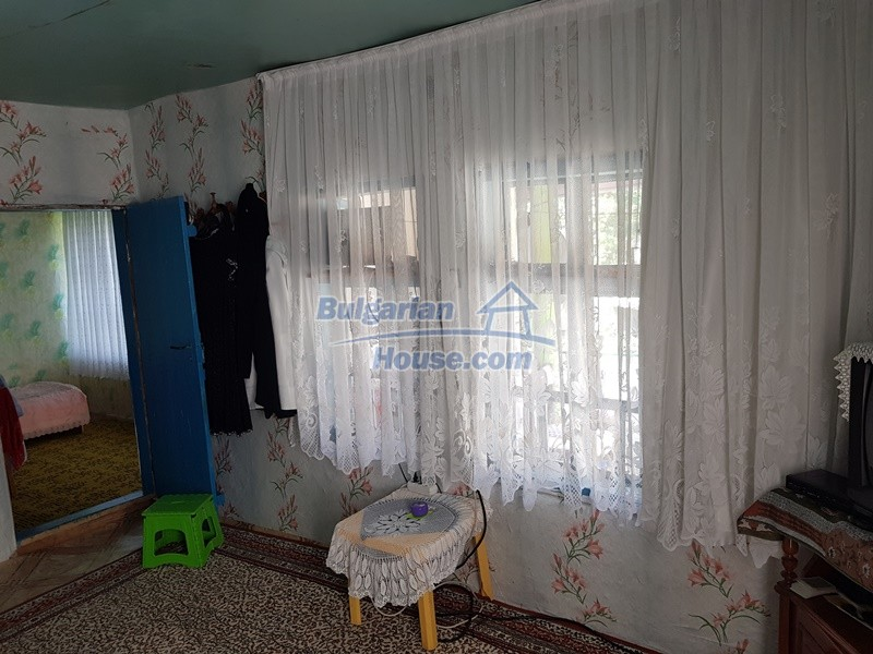 13073:41 - House in good condition  in a peaceful place close to Popovo