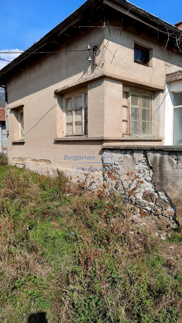 13083:4 - House at the foot of Stara Planina Mountain near Kazanlak