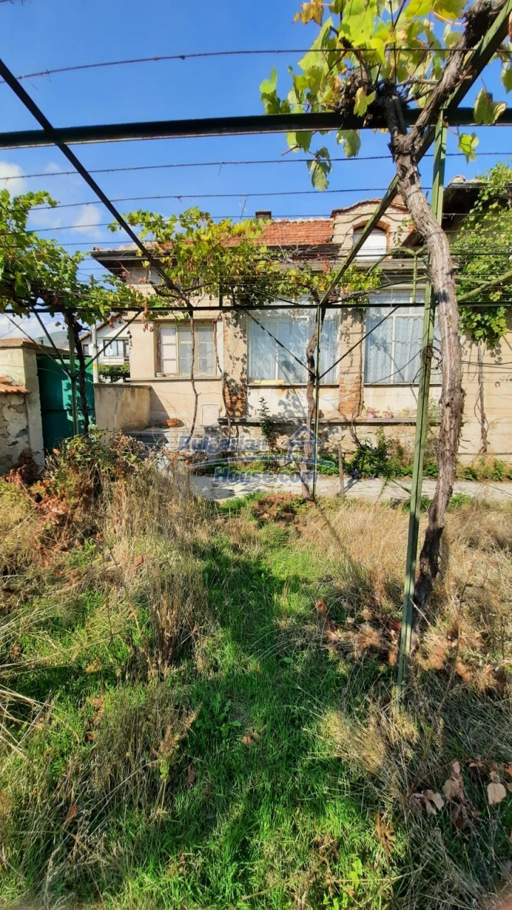 13083:6 - House at the foot of Stara Planina Mountain near Kazanlak