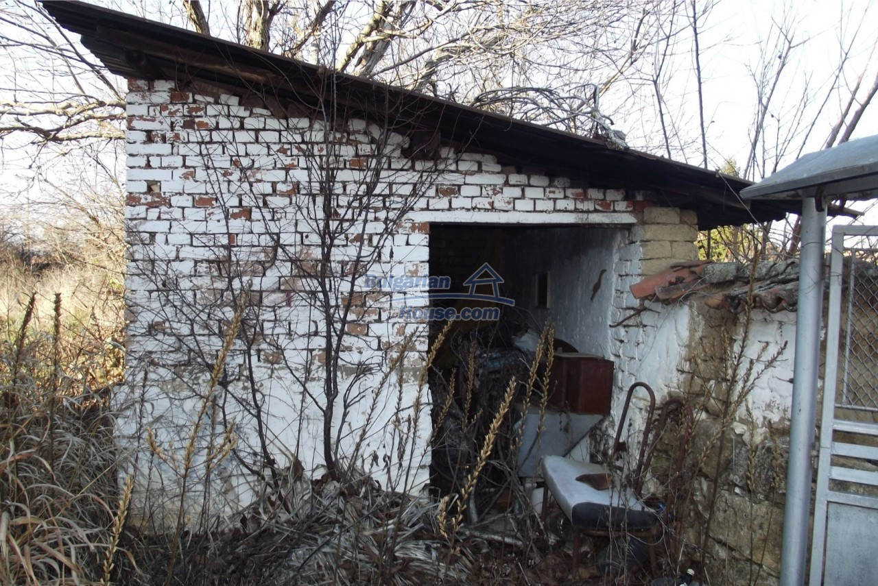13121:56 - House in good condition 40 km from Vratsa with spacious yard