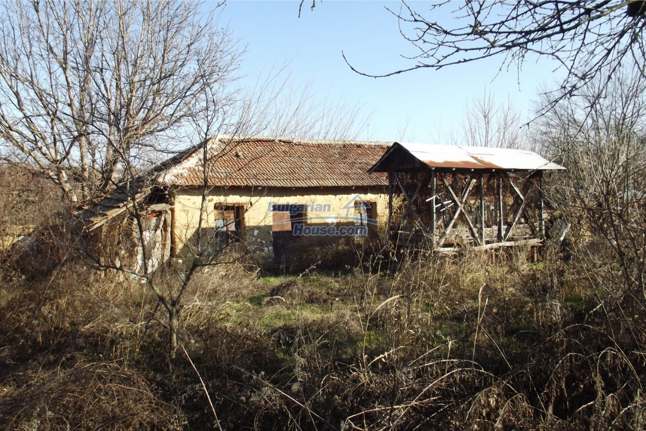 13121:61 - House in good condition 40 km from Vratsa with spacious yard
