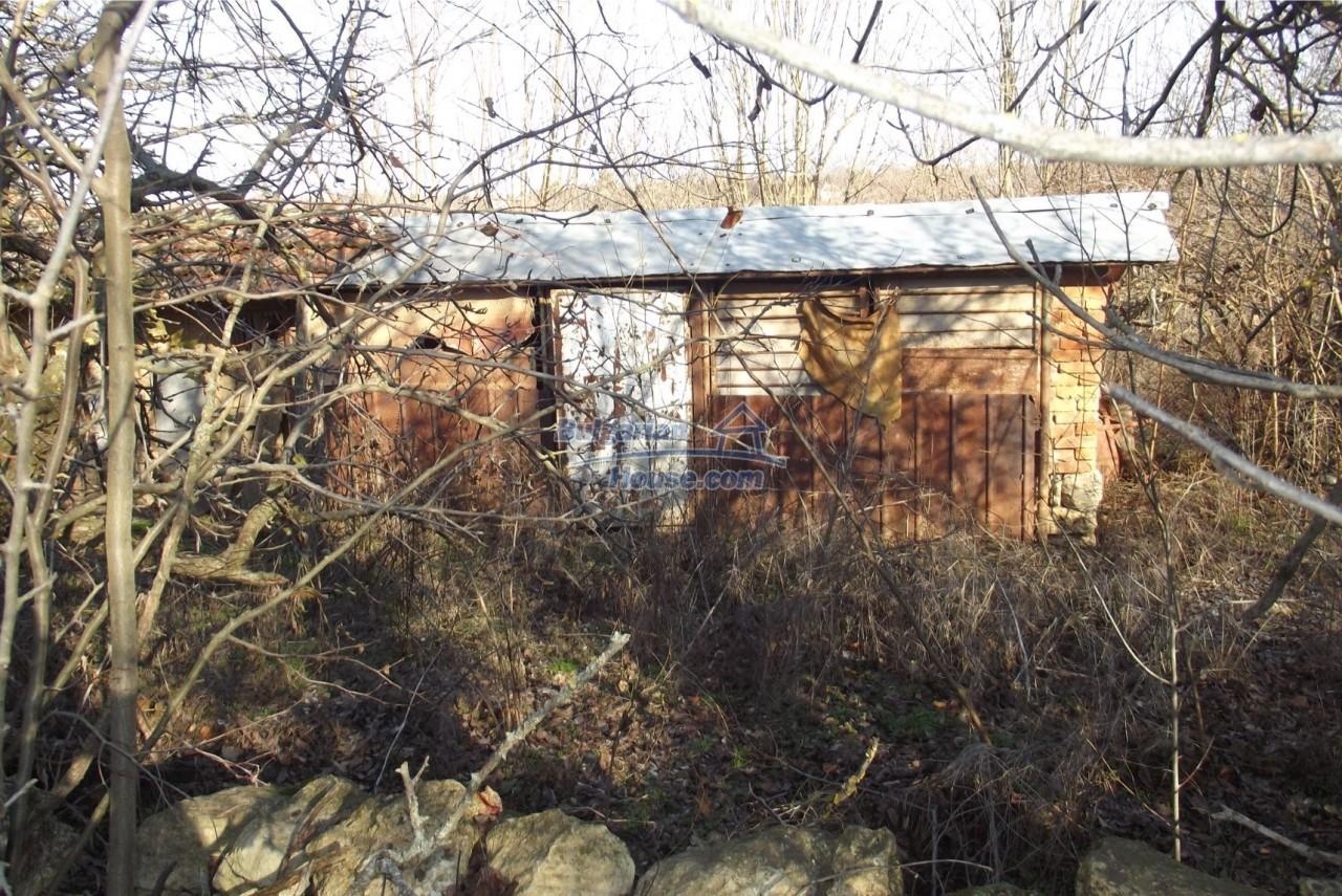 13121:63 - House in good condition 40 km from Vratsa with spacious yard