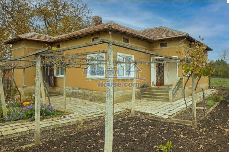 13154:3 -  Bulgarian house 24 km from the sea with 3500sq.m garden Kavarna