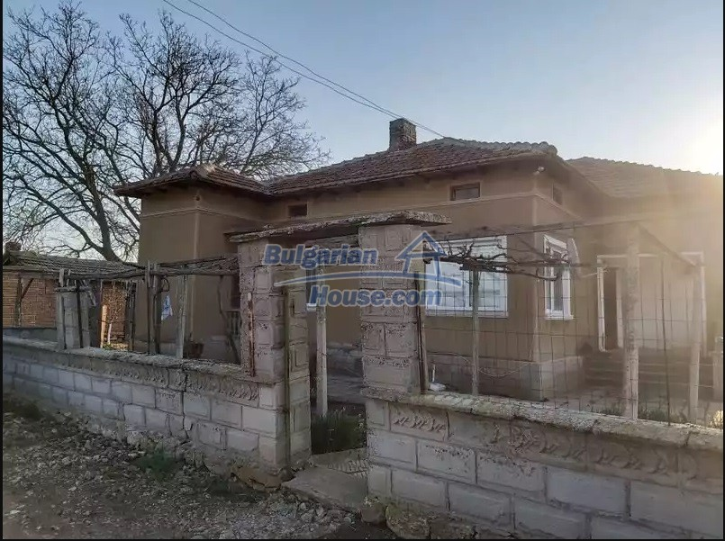 13154:9 -  Bulgarian house 24 km from the sea with 3500sq.m garden Kavarna