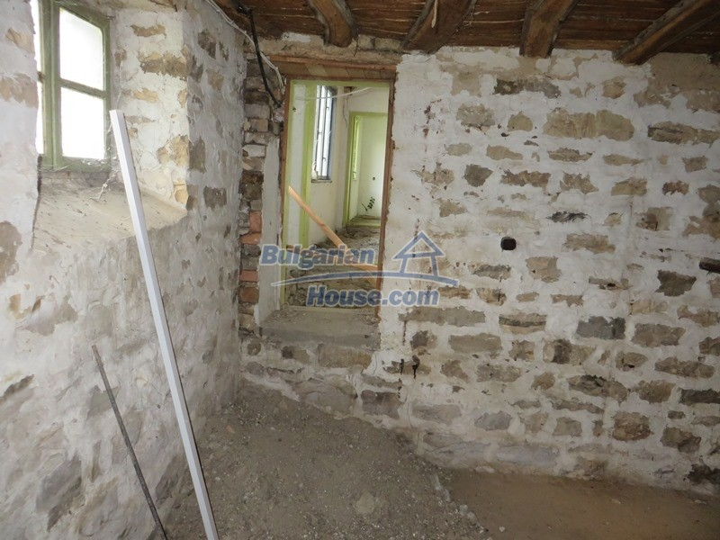 13162:8 - Two houses, barn and a garden of 5000 sq.m near Veliko Tarnovo