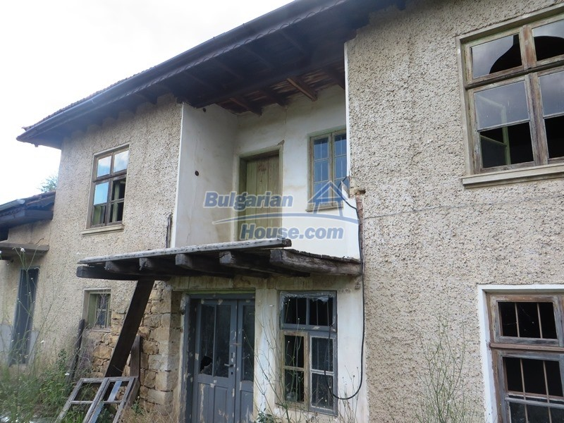 13162:2 - Two houses, barn and a garden of 5000 sq.m near Veliko Tarnovo