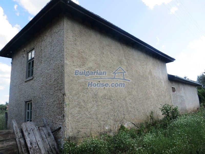 13162:3 - Two houses, barn and a garden of 5000 sq.m near Veliko Tarnovo