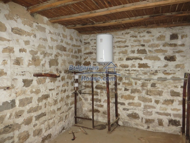 13162:9 - Two houses, barn and a garden of 5000 sq.m near Veliko Tarnovo