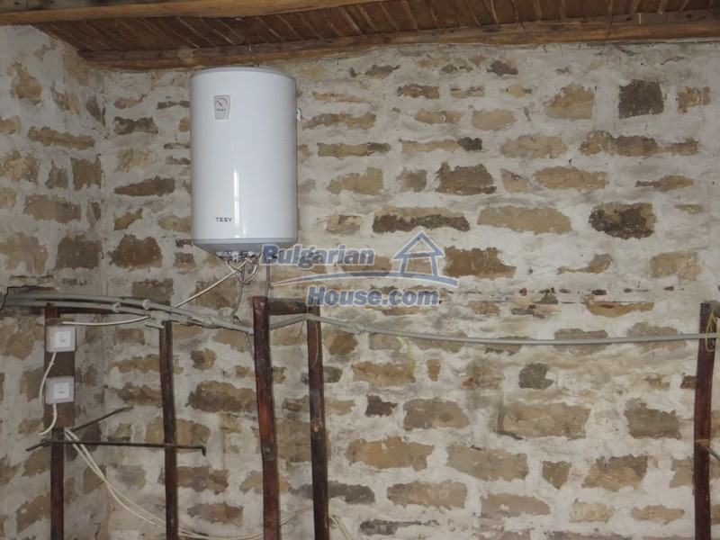 13162:14 - Two houses, barn and a garden of 5000 sq.m near Veliko Tarnovo
