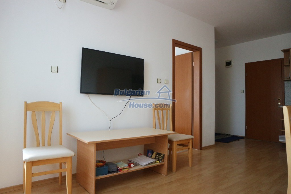 12915:7 - Bright and sunny one bedroom apartment 800 m from the sea