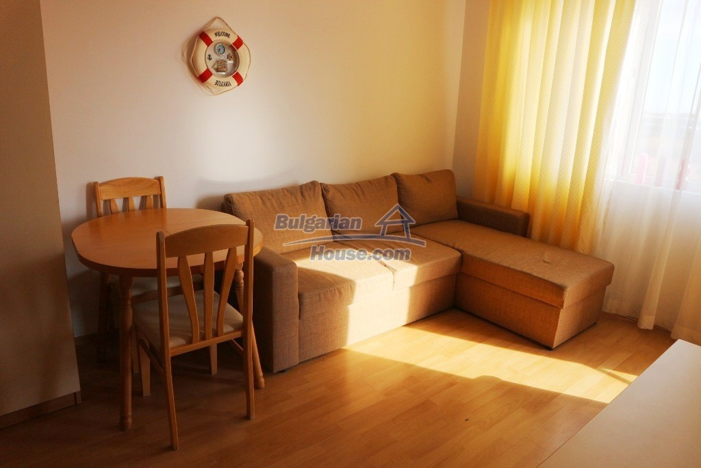 12915:5 - Bright and sunny one bedroom apartment 800 m from the sea