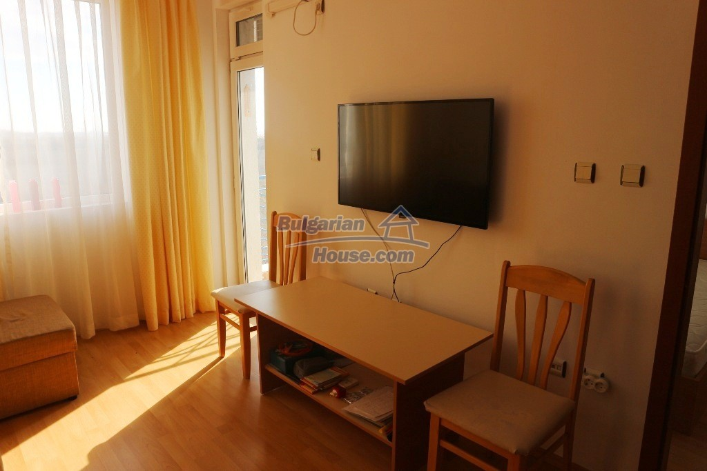 12915:6 - Bright and sunny one bedroom apartment 800 m from the sea