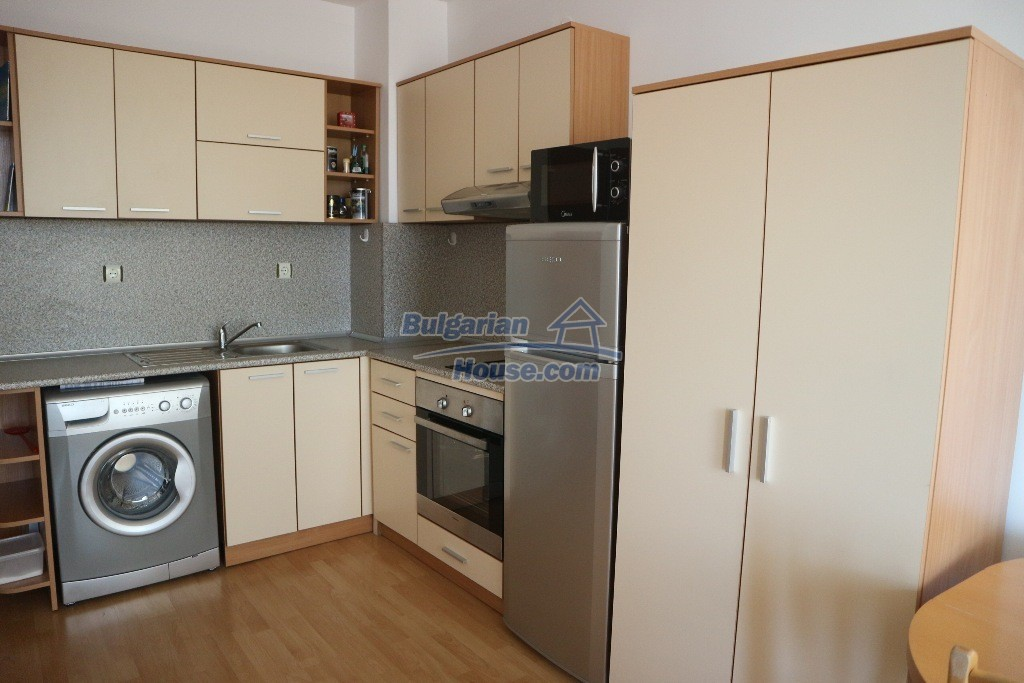 12915:3 - Bright and sunny one bedroom apartment 800 m from the sea