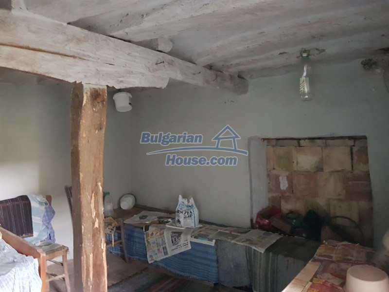 13066:18 - Extremely cheap Bulgarian house  with nice views near Popovo