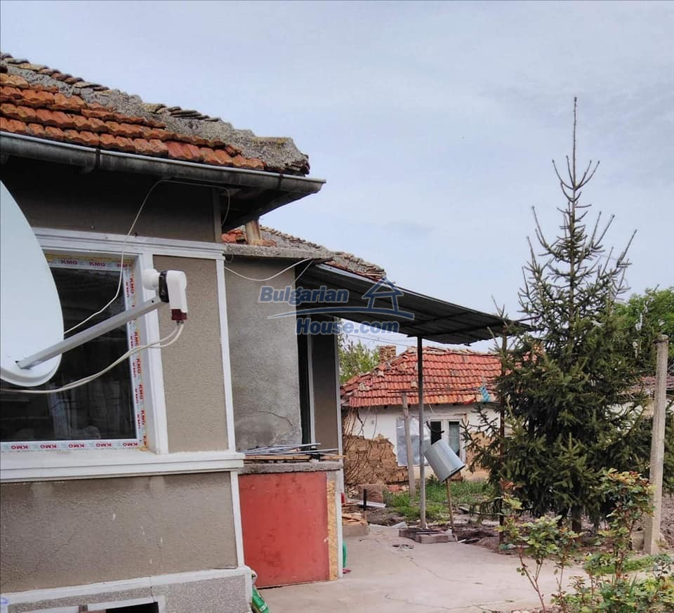 13180:1 - House for sale 34 km from Varna!