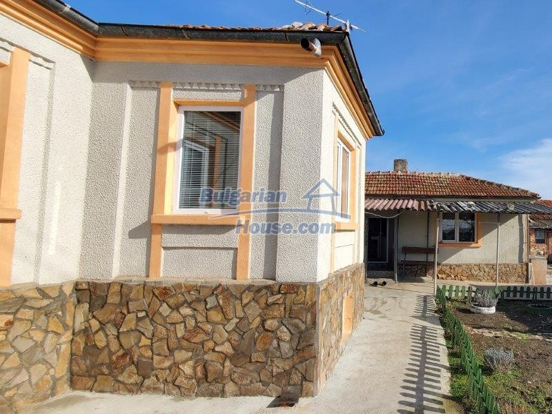 13169:2 - RENOVATED BULGARIAN Property For Sale near Dobrich