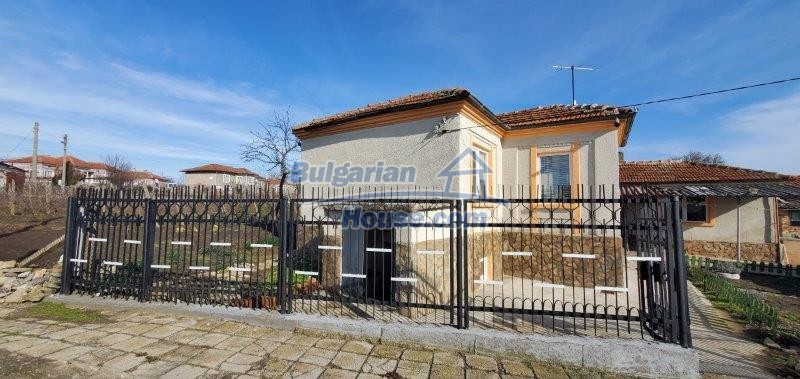 13169:1 - RENOVATED BULGARIAN Property For Sale near Dobrich