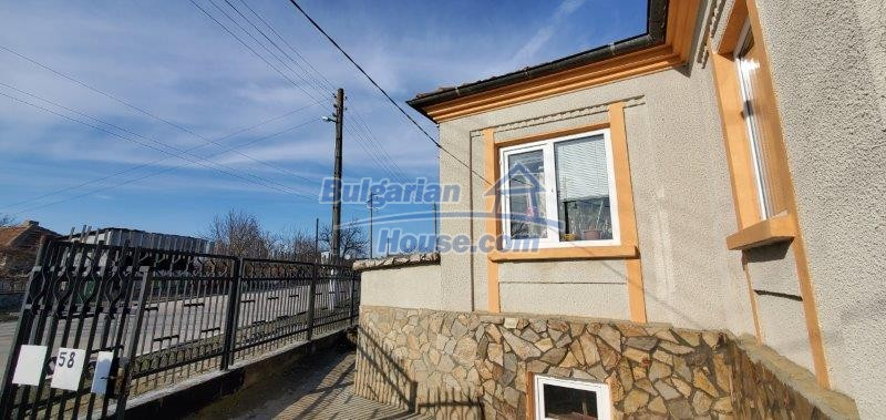 13169:22 - RENOVATED BULGARIAN Property For Sale near Dobrich