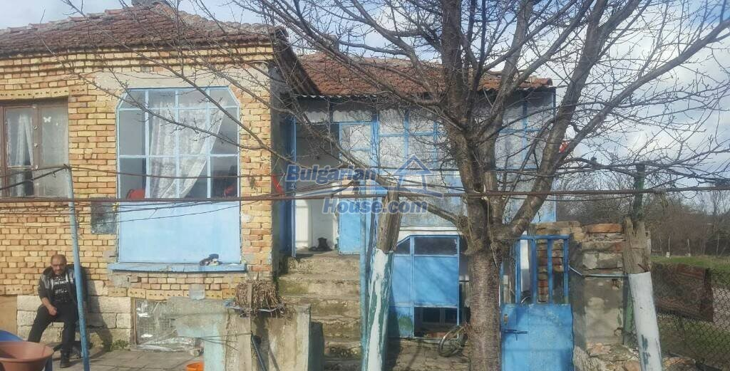 13193:2 -  Cheap bulgarian house The area is suitable for fishing!