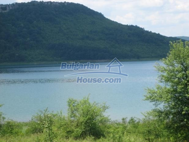 13193:7 -  Cheap bulgarian house The area is suitable for fishing!