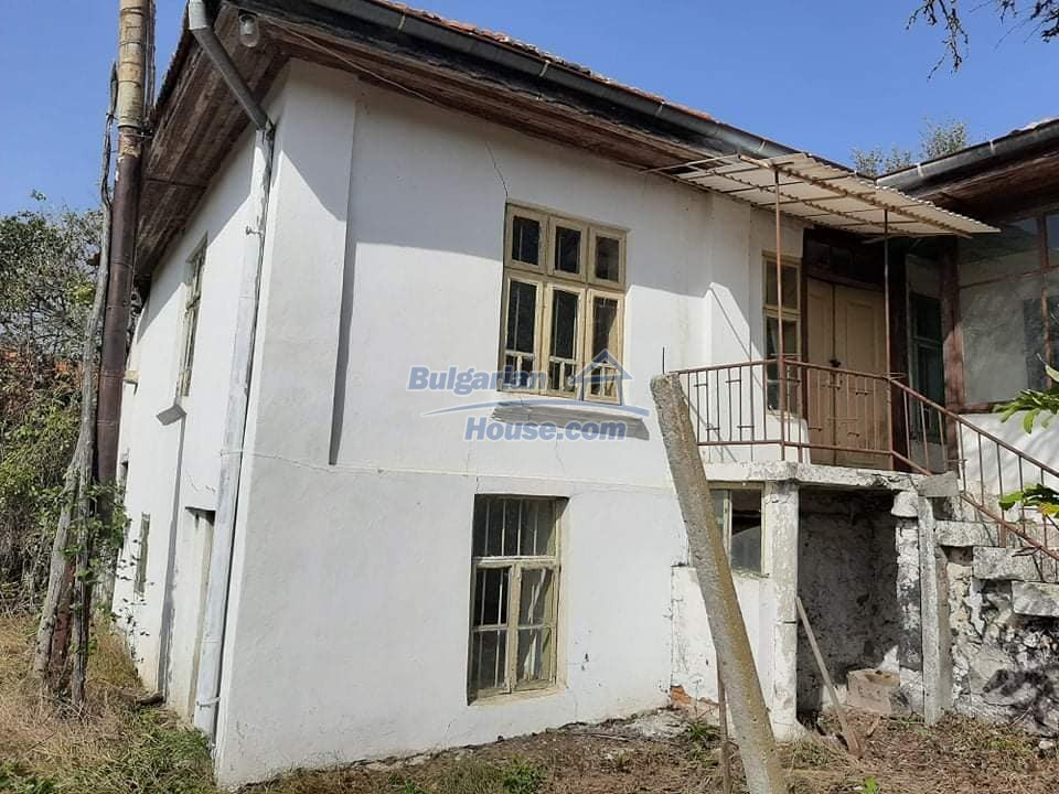 13218:1 - Great location! Cheap bulgarian house near Varna
