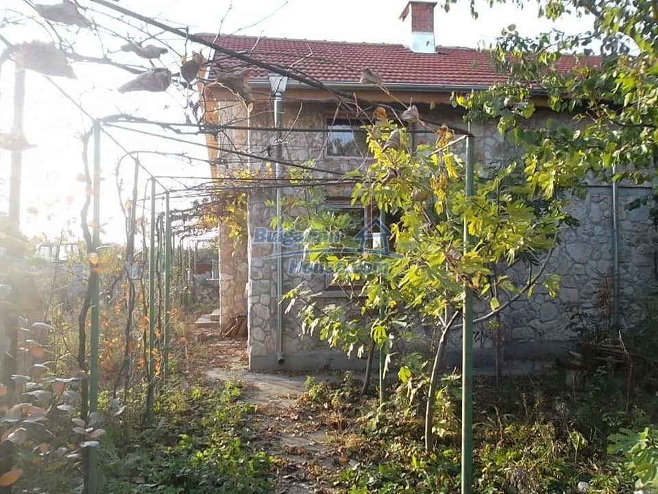 13265:2 - Bulgarian property 2 km from the sea!