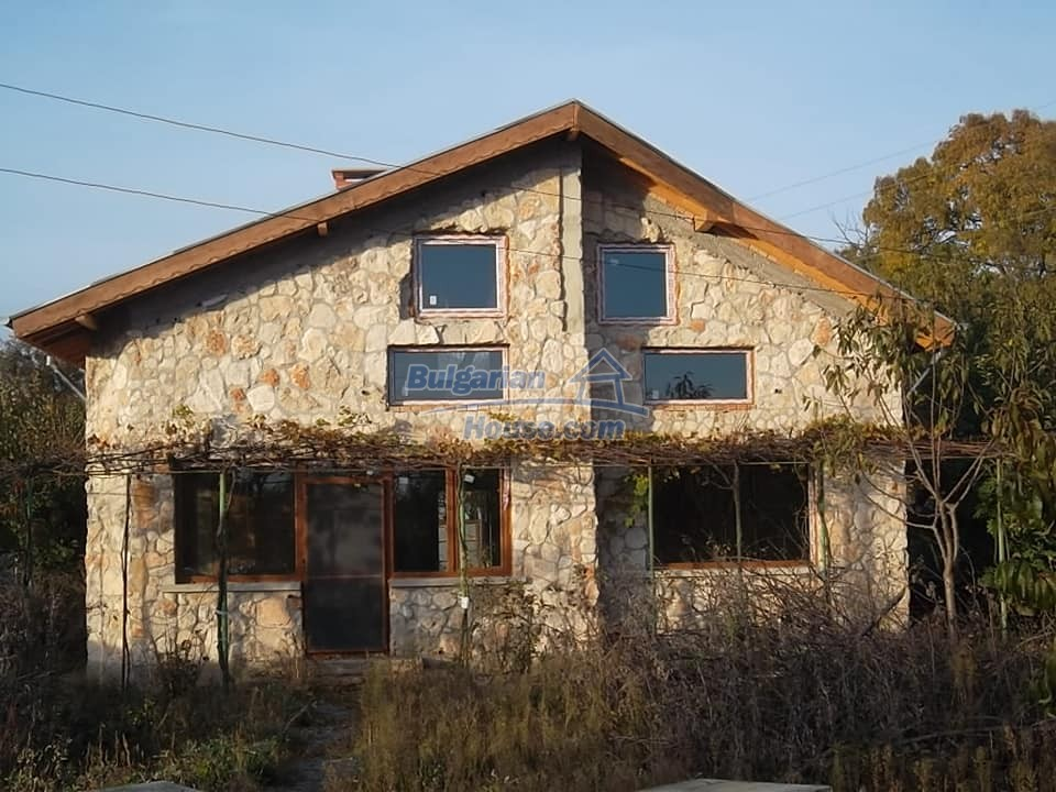 13265:1 - Bulgarian property 2 km from the sea!