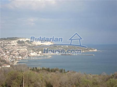 13265:7 - Bulgarian property 2 km from the sea!