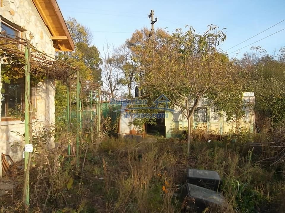 13265:4 - Bulgarian property 2 km from the sea!