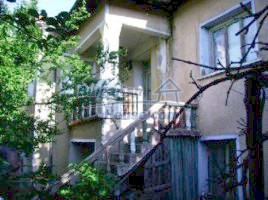 Houses for sale near Lom - 6071