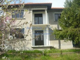 Houses for sale near Elena - 10695