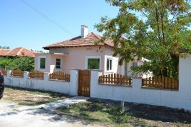 Houses for sale near Dobrich - 12322