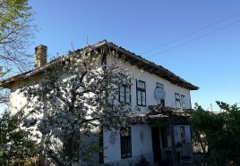 Houses for sale near Targovishte - 13200